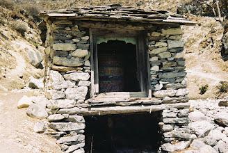Photo: eine wassergetriebene Gebetsmühle