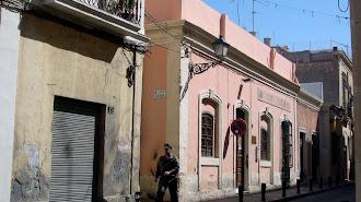 El antiguo edificio fue derribado y, en su lugar, hoy está la sede de la Asociación de Vecinnos del Casco Histórico.