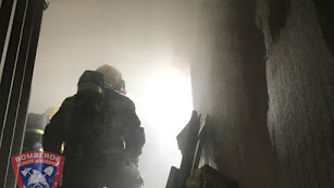 La intervención de los bomberos del Levante ha impedido que el fuego tuviera peores consecuencias,