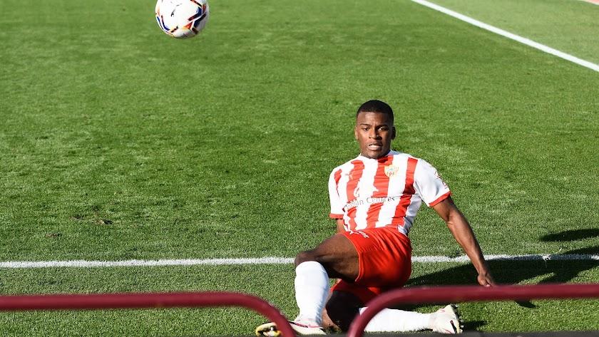 Sergio Akieme ha cumplido 22 partidos con el Almería.