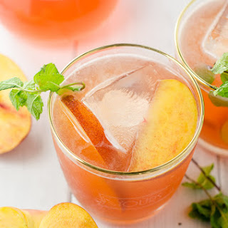 "Peach Bourbon Cocktail - The ""Peachy Keen"""