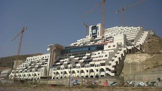 Hotel de El Algarrobico, en la playa de Carboneras