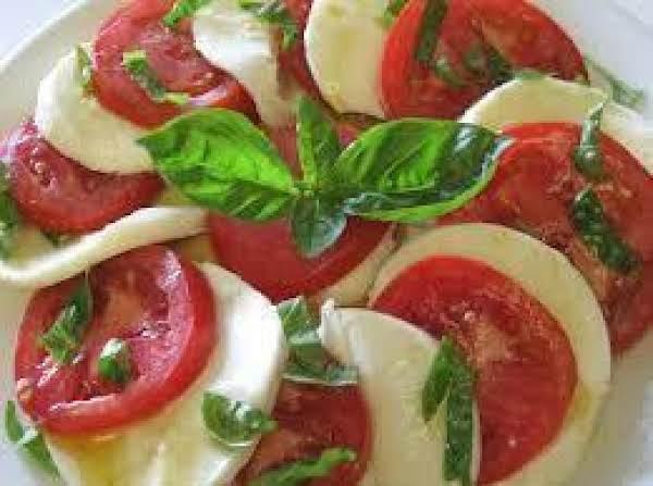 Fresh Tomato And Mozzarella Salad Recipe