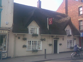 Photo: The King's Head thatched pub in the Bullring. Quiet, with a patio at the rear. Cycling is ok in the town environs, but quickly leads to hills..