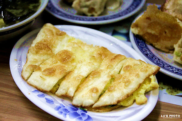 怡味餐店-花蓮市區 在地人的早餐,脆皮蛋餅,國農奶茶,煎炙燒賣。個個讓人懷念的好滋味...。