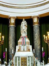 Photo: A Regnum Marianum barokk világában a Napbaöltözött Asszony ábrázolásától eltérően bontakozik ki a Patrona Hungariae jellegzetes, máig érvényes szent koronás ikonográfiája.