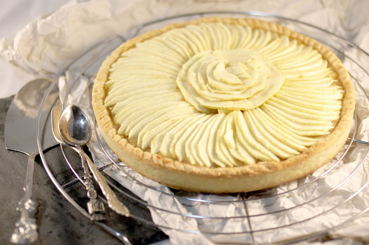 Apple Pie with Vanilla Sauce