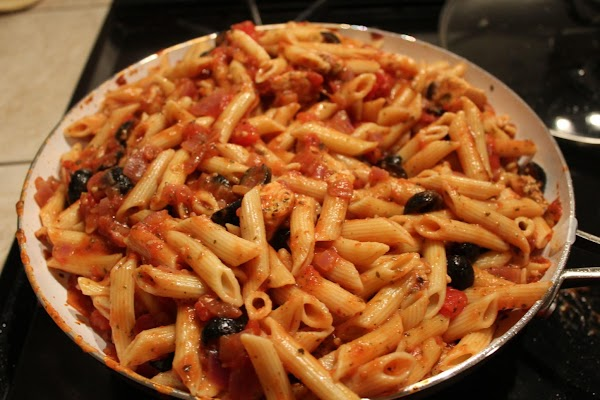 Once the pasta is cooked drain it very well. Cut the heat off on...