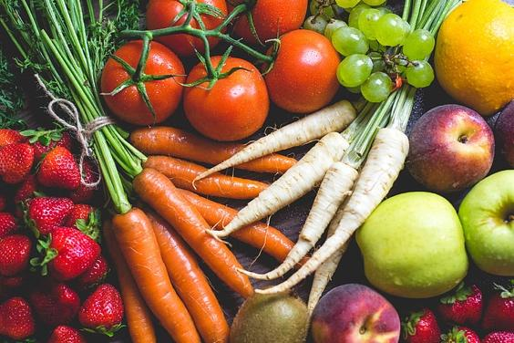 Royalty-Free photo: Fresh & Colorful Fruits and Vegetables | PickPik