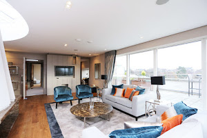 2 bedroom penthouse with  panoramic views of the city in Ballsbridge
