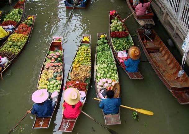 Mercado Flutuante Taling Chan