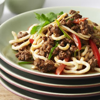 Udon Noodles With Beef And Tomato.