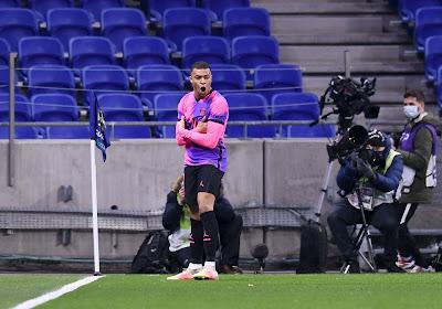 Le PSG domine Lyon sur sa pelouse et s'installe en tête
