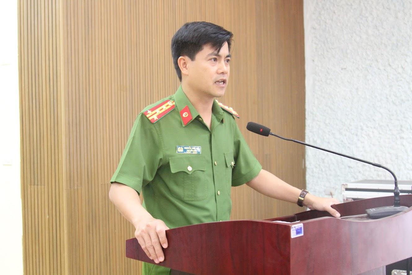 Đồng chí Đại tá Nguyễn Đức Hải, Phó Giám đốc Công an tỉnh phát biểu tại buổi tọa đàm