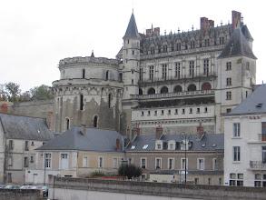 Photo: Un coup d'œil au château d'Amboise.