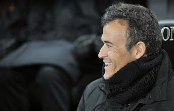 Photo: AS Roma's Spanish coach Luis Enrique reacts during the Italian Serie A football match Udinese vs As Roma at Friuli Stadium in Udine on November 25, 2011.    AFP PHOTO/ ANTEPRIMA
