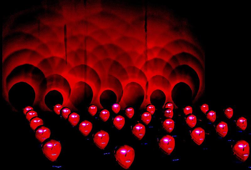 Red And Round ...  di VILLA MARIO