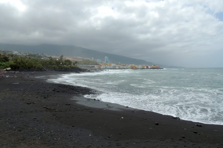 Puerto_Cruz_Black_Beach