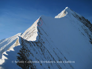 Photo: Assault day (3-Jun-10).. Members on the summit ridge.. seen from summit Camp (Camp-III)