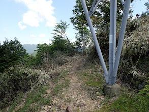 右に巡視路(No.73鉄塔へ向かっている?)