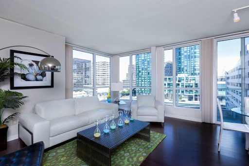 Striking views of the Bay Bridge luxury San Francisco apartments in the Financial District