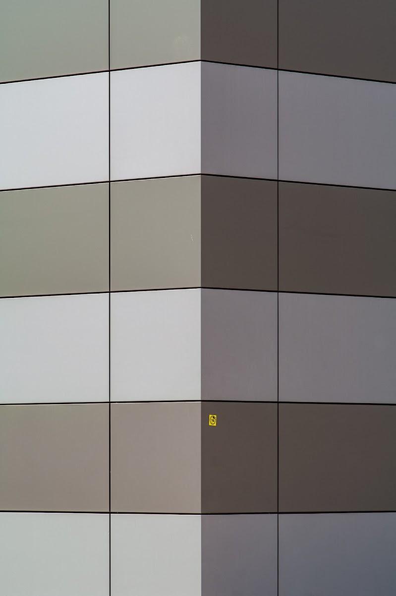Yellow dot di gallmau1965