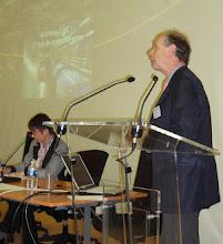 Photo: Colette Guillopé, vice-présidente de Femmes & Sciences, et Michel Spiro, président sortant du conseil du CERN- Photo Ophélia Fabre