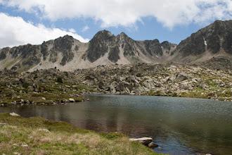 Photo: Andorr (Pessons):  estany Meligar amb el pic Ribuls i la portella del Pessons