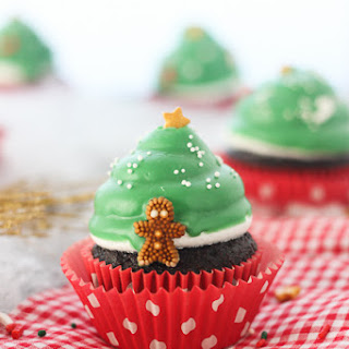 Christmas Tree Hi Hat Cupcakes