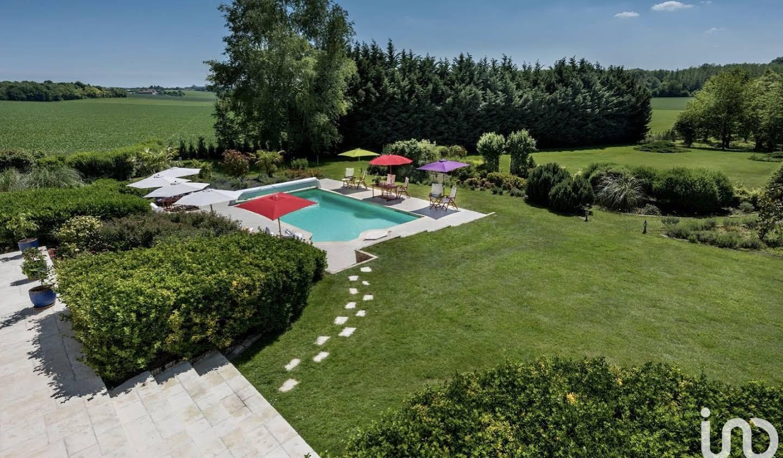 Maison avec piscine et terrasse Meaux
