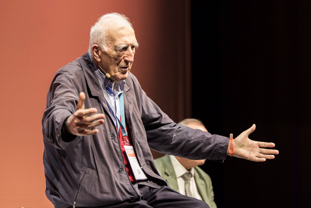 """Conférence """"Fragilités et justice"""" par Jean Vanier"""