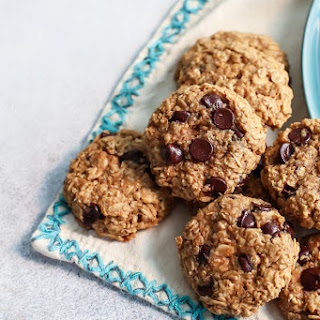 Healthy Peanut Butter Oatmeal Cookies with Chocolate Chips [oil-free, dairy-free].