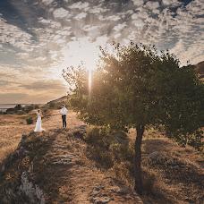 Wedding photographer Mikhail Galaburdin (MbILLIA). Photo of 08.01.2016