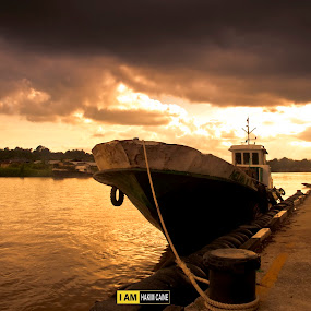 DOCKED by Hakim Caine - Landscapes Waterscapes