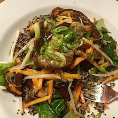 Veggie bowl with quinoa