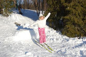Photo: Charlotte er en racer på skihopp!
