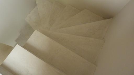 escalier béton coloré béton ciré sur escalier