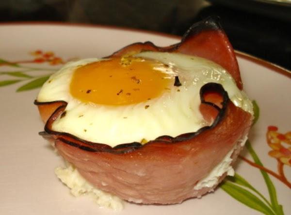 Ham, Egg & Cheese Cups Recipe