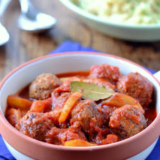 Moroccan Meat-less Balls with Pear & Tomato Sauce.