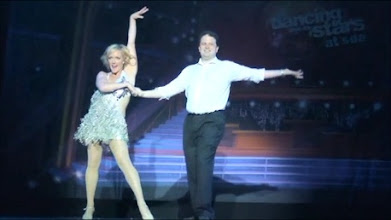 Photo: Leo dancing the Samba on the main stage