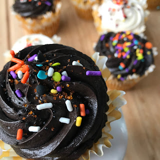 Pumpkin Cupcakes with Chocolate Cinnamon Cream Cheese Frosting Recipe