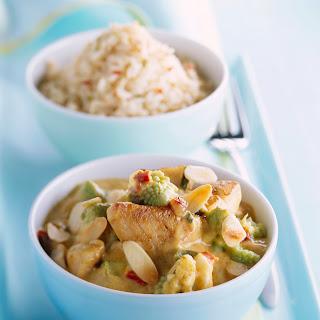 Seelachs-Curry mit Romanesco und Mandeln