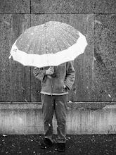 Photo: umbrella  #street #streettogs #streetphotography #shootthestreet  #blackandwhite #blackandwhitephotography #bw #monochrome  #monochromeartyclub #monochromephotography