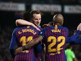 Cinq joueurs poussés vers la sortie du côté du FC Barcelone