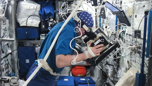 Kuipers during second orbital NEUROSPAT Session in the Columbus Module