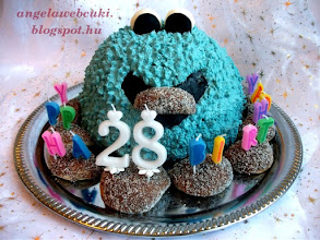 Photo: Citromhab krémes Cookie Monster torta  http://angelawebcuki.blogspot.hu/2012/08/citromhab-kremes-cookie-torta.html