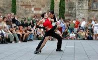 Выступления танцоров танго на Rambla