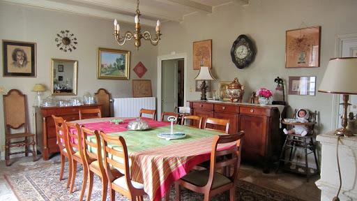 Salle à manger de la table d'hôtes