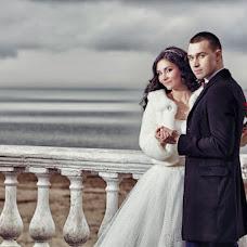 Wedding photographer Vladimir Revik (Revic). Photo of 30.04.2014