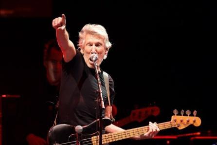 """Roger Waters golpea la mesa: """"Dejen en paz al pueblo venezolano, tienen una democracia real"""""""